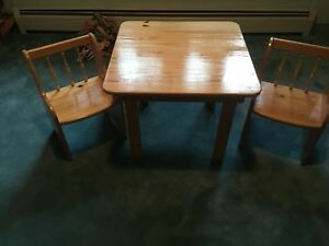 Wooden Kids Table and Chair Set