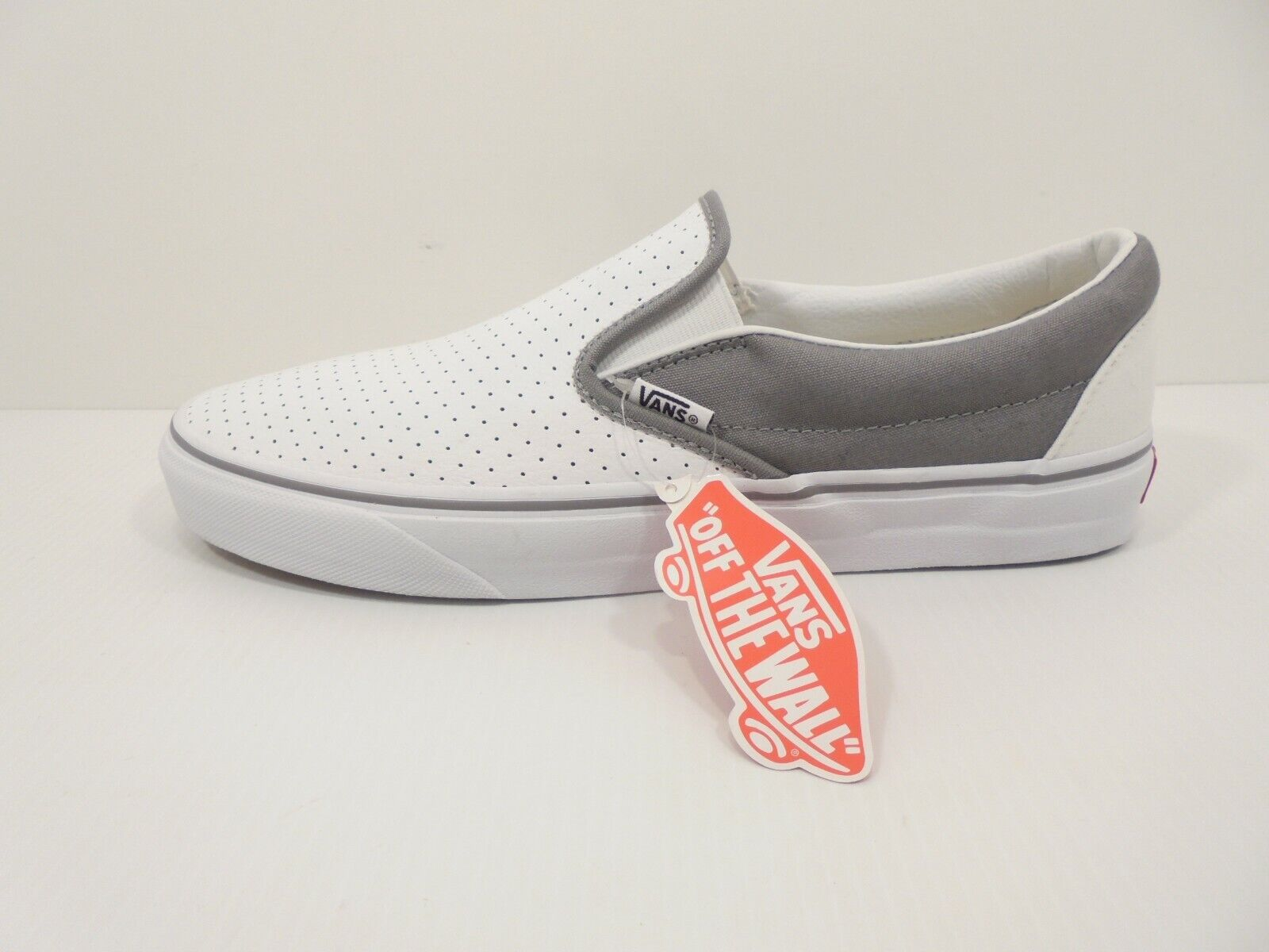 NEW! Mens Leather VANS Slip On Sneakers – Shoe Size US 11 M