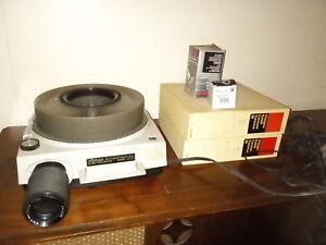 Projecteur à diapositives Kodak modèle AF-2