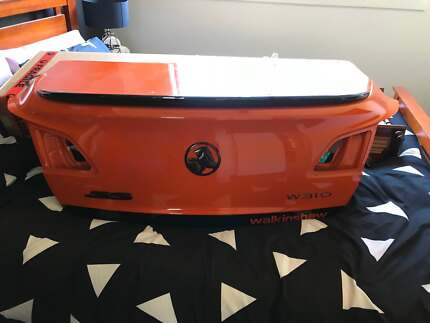 VF Commodore Bootlid Fern Bay Port Stephens Area Preview
