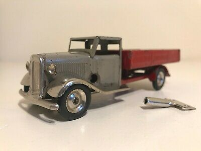 🚚 Vintage TRIANG MINIC DELIVERY LORRY Tin Wheels,Bright Metal, Clockwork w/ Key