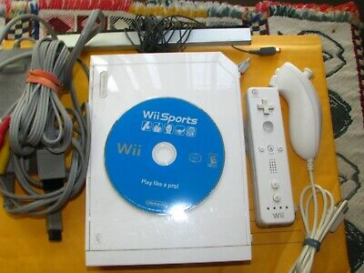 Nintendo Wii White Console w/ Wii Sports Game & 1 Controllers 1 chuck Bundle !!