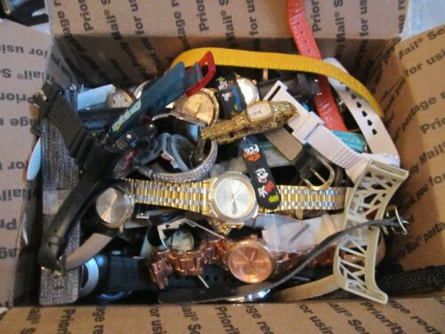 LARGE LOT OF WATCHES - UNSEARCHED - AMOST 6 POUNDS - MOSTLY QUARTZ & SOME PARTS