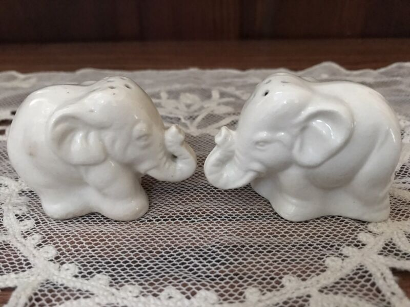 Vintage Ceramic White Elephant Salt & Pepper Shakers Made Japan