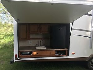 2011 FREEDOM EXPRESS 291QBS TRIPLE BUNK