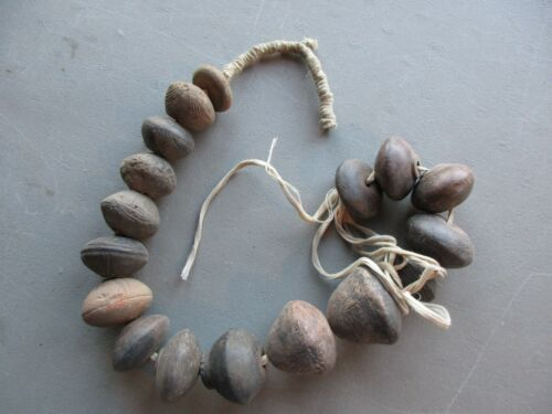 PRE-COLUMBIAN TRADE BEADS, GROUP OF 17 VINTAGE HAND MADE CLAY BEADS,    ON-03921