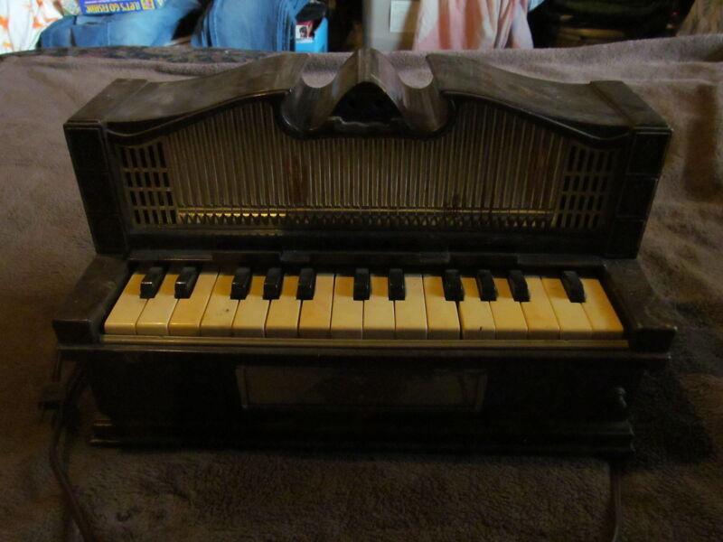 Fabulous Vintage Emenee Tabletop Electric Organ - Must See This One!!!!!!!