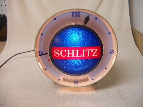 Vintage 1961 Schlitz Beer Lighted Clock With Motion Effect Very Good Condition