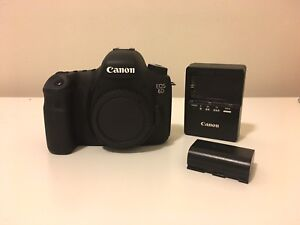 Canon 6D w/ battery & charger