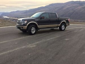 2013 Ford F-150 Lariat 5.0L Mint Condition