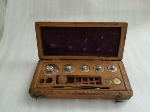 ANTIQUE WOOD BOX WITH SCALE WEIGHTS FORCEPS