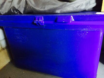 Fishing esky 200 litre