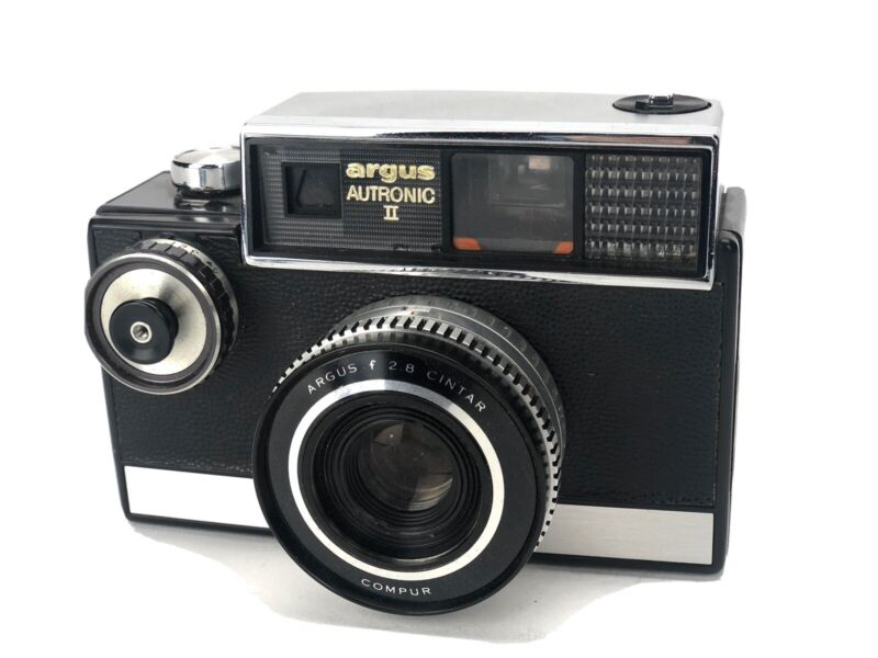 Vintage ARGUS AUTRONIC 2 Automatic 35MM Camera w/ Flash Untested