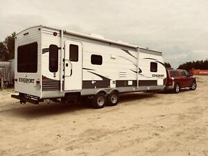 28 Foot Kingsport Camper