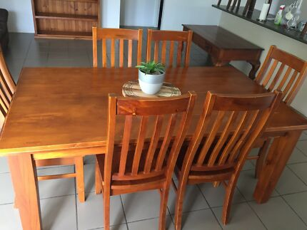 7 Pc Dining Suite