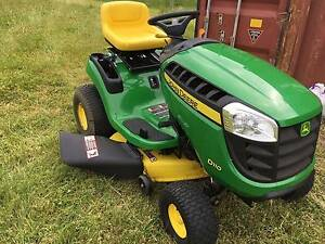 John Deere D110 Ride on Mower Albany Area Preview