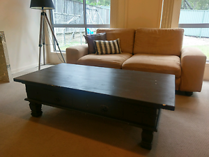 Shabby chic coffee table Maudsland Gold Coast West Preview