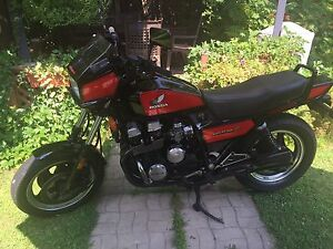 Honda Nighthawk 750 SC 1984 ( 3 pour/for 1)