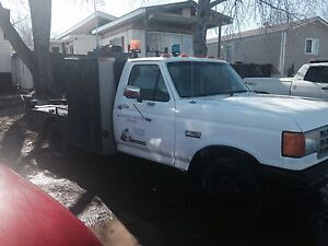1990 f350 Ford one ton flat deck welding rig with supplies