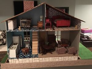 Dollhouse perfect for Christmas gift