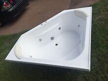 Decina Spa Bath Fibreglass Cameron Park Lake Macquarie Area Preview