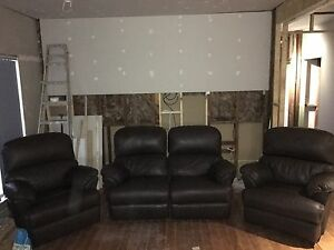 4 seater leather recliner lounge Blacktown Blacktown Area Preview