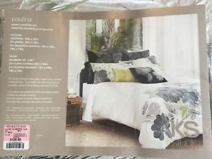 Bed comforter for sale