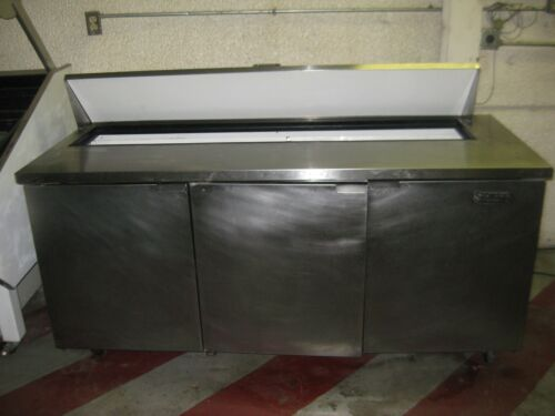 "True TSSU‑72‑18 Refrigerated Sandwich Unit 72"""