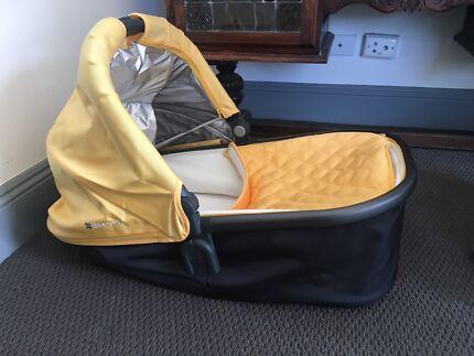 Uppababy bassinet