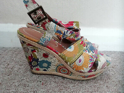Hush Puppies floral wedge sandals size 6.5