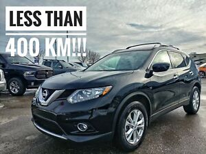 2016 Nissan Rogue SV Crazy Low KMS  FREE Delivery
