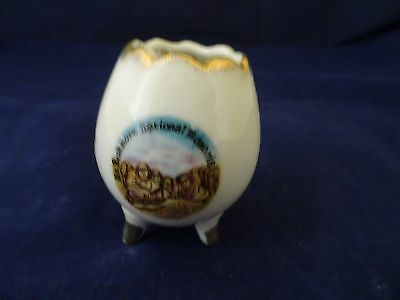 MOUNT RUSHMORE SOUVENIR TOOTHPICK HOLDER-FOOTED-GOLD TRIM