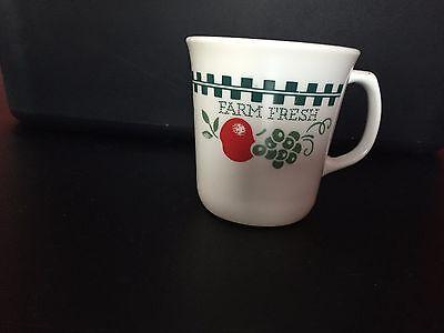 Corning Farm Fresh Harvest Homemade  Coffee Cup/ Mug Apples Checker