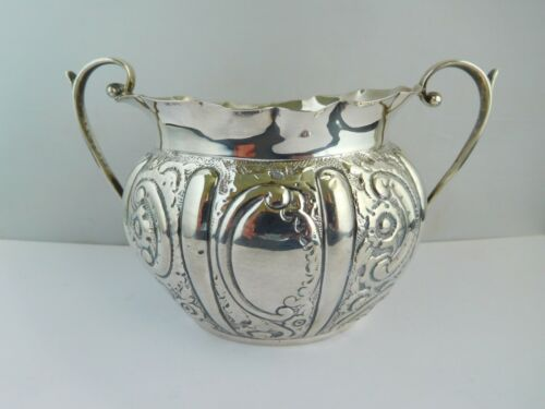 LOVELY VICTORIAN ENGLISH STERLING SILVER SUGAR BOWL