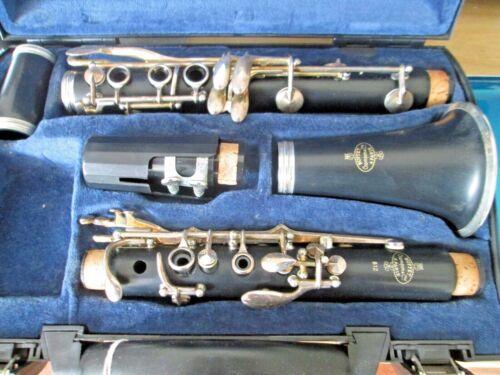 - Buffet B12 Clarinet - in hard case