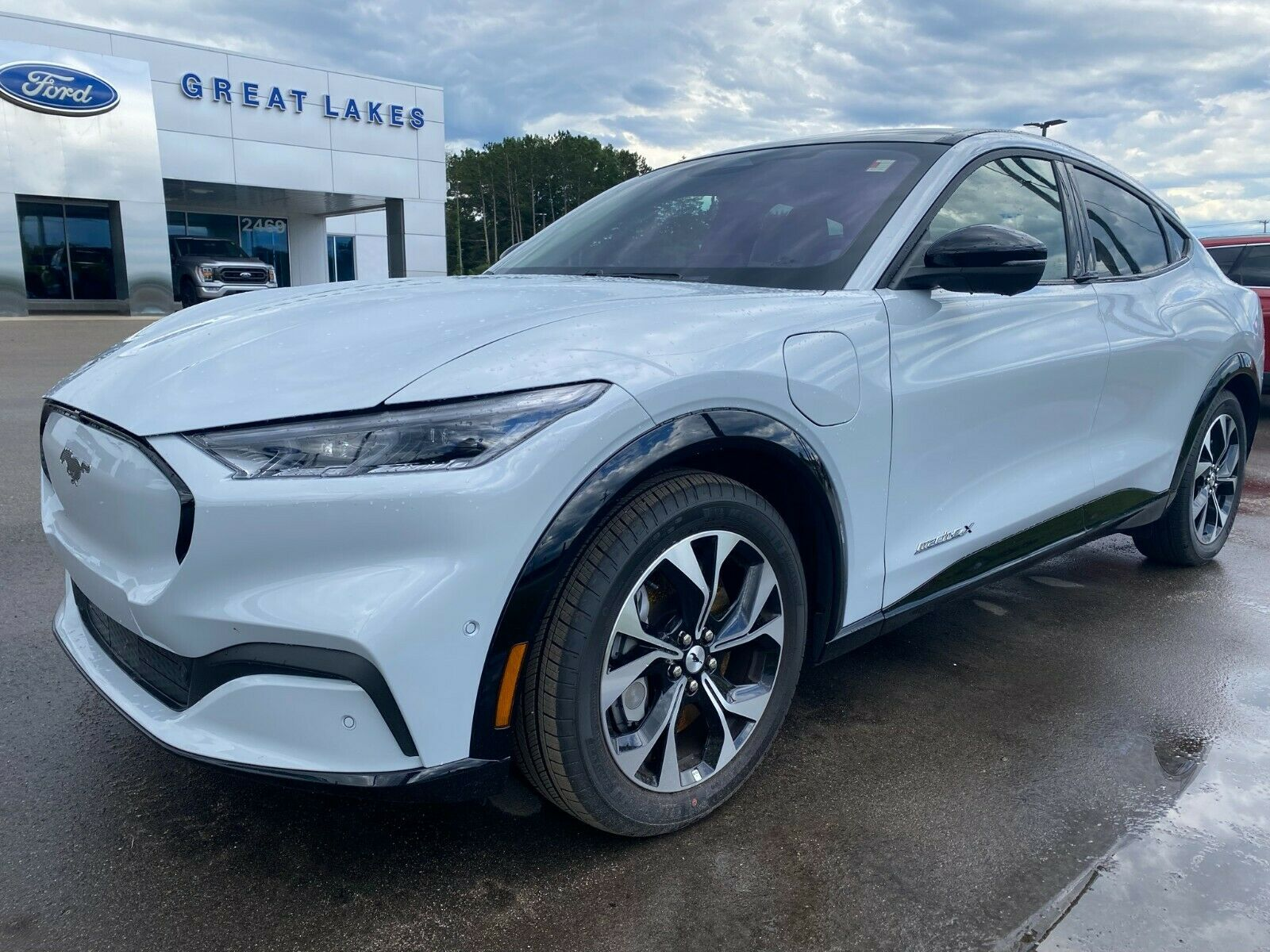 21 Extended range AWD Space White 88kwh ext battery full Electric Mach E plug in