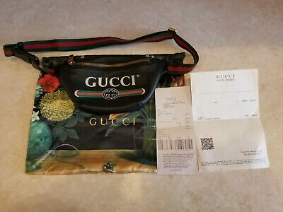 Gucci Men's Black Vintage Logo Cross-body Bag