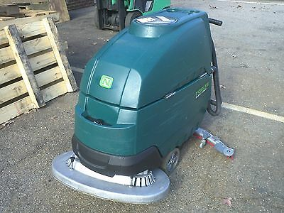 Nobles Speed Scrub Ss5 32 Floor Scrubber Under 600 Hours 60 Day Parts Warranty