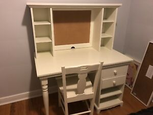 POTTERY BARN KIDS - Desk/Hutch/Chair