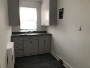 Apartment for rent 1bedroom & bachelor available