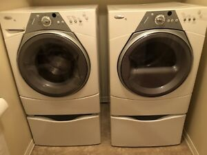 Whirlpool Front Load  HE/Whirlpool laveuse et sécheuse HE