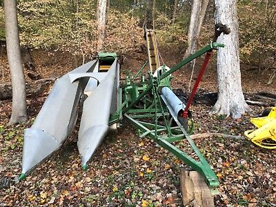 New Idea No 310 Corn Picker Excellent Condition. Ready For Use.