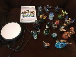 Wii Skylanders Swap Force - game, portal and 17 characters/tools