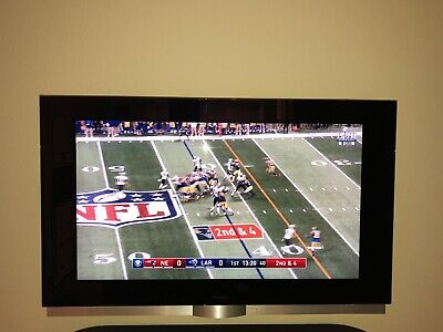 """$4000 Classy Bang & Olufsen BeoVision 7-40 40"""" 1080p HD LCD Television"""