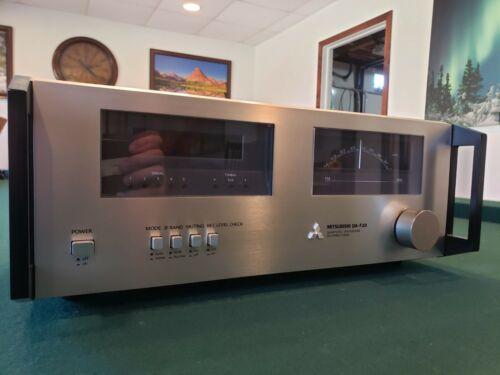 Mitsubishi DA-F20 Quartz PLL Synthesizer FM Stereo Tuner