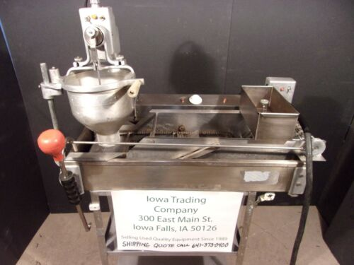 DONUT MACHINE / FRYER / MAKER / BELSHAW  DONUT ROBOT DR-42 >> $2200 <<