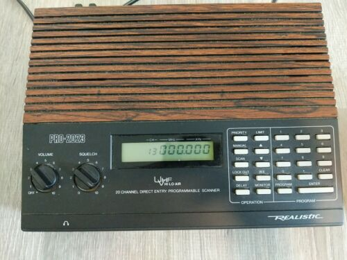 Realistic Radio 20-128 Programmable Scanning Receiver Pro-20