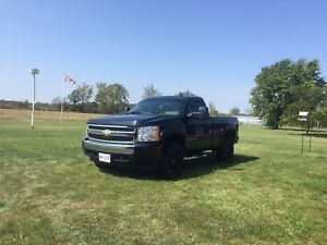 2008 Chevy Silverado Reg Cab Short Box 105km