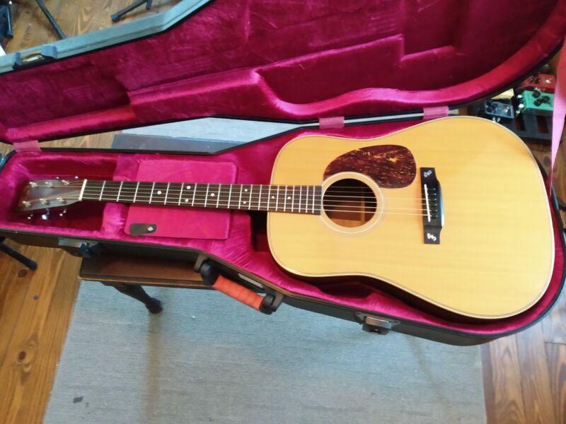 Martin HD-28 Acoustic Guitar 2004 Fishman Pickup Original Case Pro Setup
