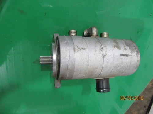 John Deere 2500A Hydraulic OIL PUMP